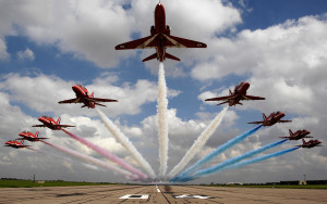 farnborough-airshow-red-arrows